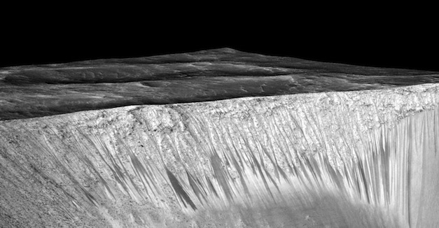 Dark-Streaks-On-Mars-Hydrated-Salts