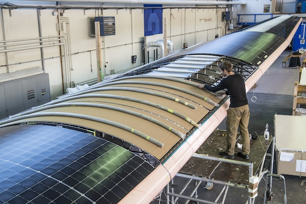 Solar-Impulse-Construction
